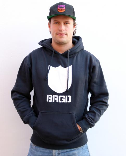 Bass Brigade Bold Shield Logo navy weiß Hoodie